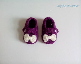 Made entirely by hand wool baby shoes