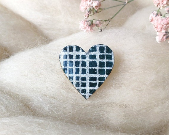 Laser cut heart shaped pin - Love brooch - Rice origami paper - Silver checks, Gold polka dots or stars