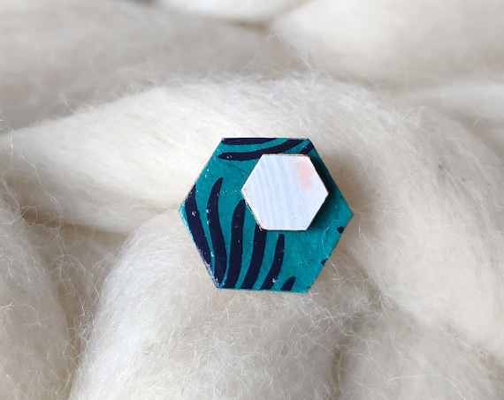 Laser cut wood and paper brooch - Hexagonal wood shape - vegetal shapes and pastel colors origami paper