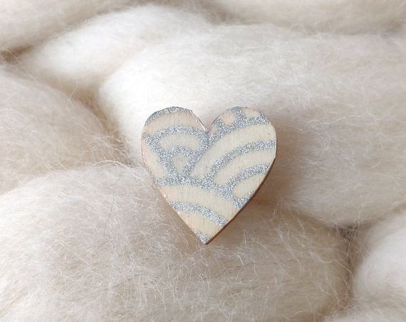 Laser cut heart shaped pin - Love brooch - Rice origami paper - Waves pattern, gray or iridescent silver