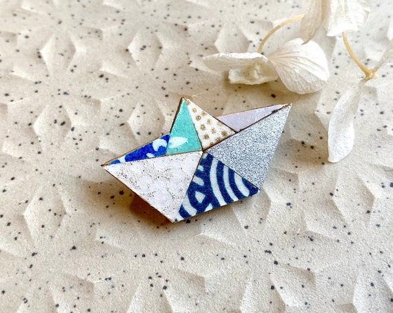 Origami boat brooch - Laser cut wood and origami paper - Blue and silver tones