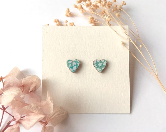Heart love earrings - Laser cut wood and origami paper - Light blue and white petals