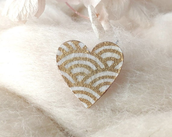 Laser cut heart shaped pin - Love brooch - Rice origami paper - 3 patterns and color variations available : gold, copper, silver