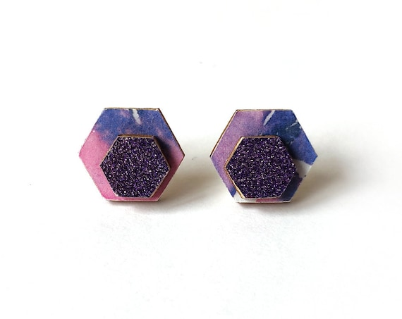 Cute hexagon earrings - Laser cut wood and colorful origami paper - Pink, purple and white pattern and glitter