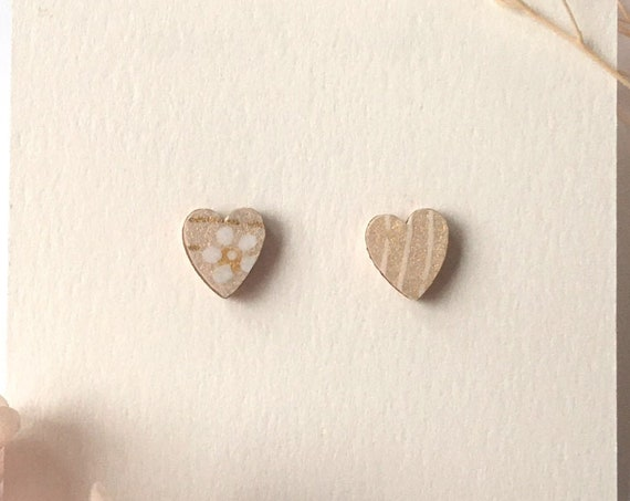 Love heart earrings - Laser cut wood and origami paper - beige and white flowers