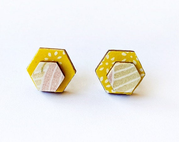 Cute hexagon earrings - Laser cut wood and colorful origami paper - Yellow and white flowers, gold pattern on pastel colors