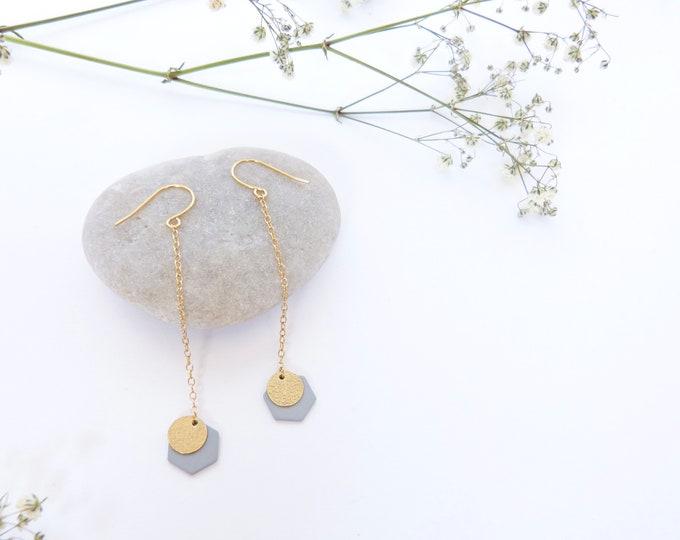 Long soft grey earrings - Hexagonal pendents - Gold disc - dainty light jewelry
