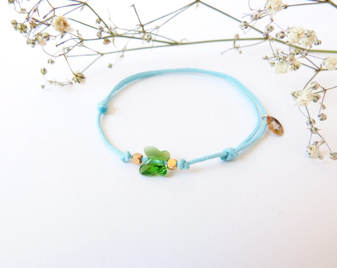 Adjustable bracelet - Bright green Swarovski butterfly cristal 6mm - Rose gold plated square and star beads on sky blue synthetic lacing