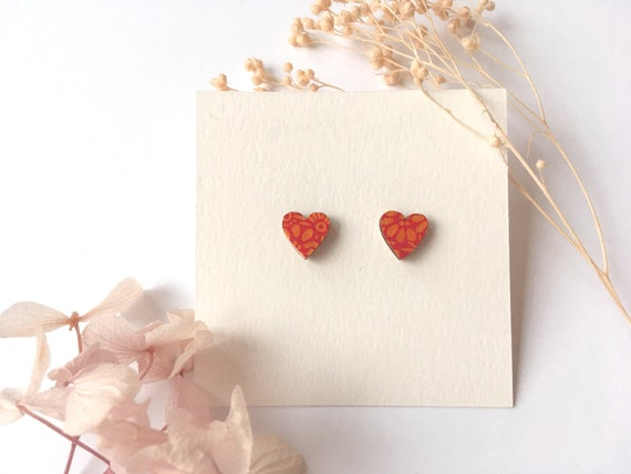 Heart love earrings - Laser cut wood and origami paper - Red and yellow petals