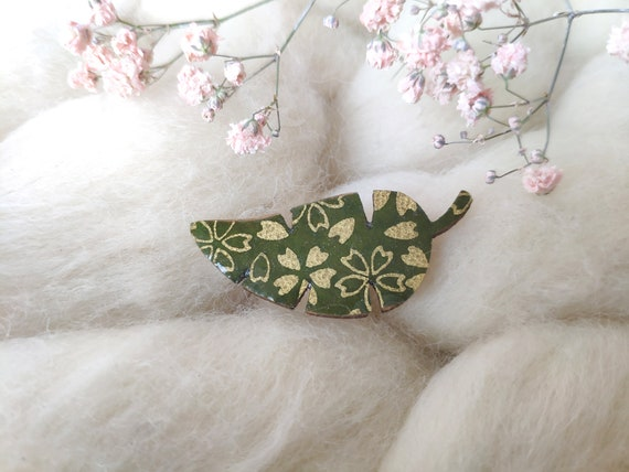 Tropical leaf brooch - Laser cut wood and origami paper -  Flowers patterns