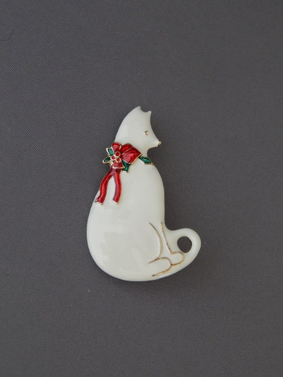 Vintage 80s Trio of Cats Small Resin White Persian Figurine Two Enamel Rhinestone Pins Brooches