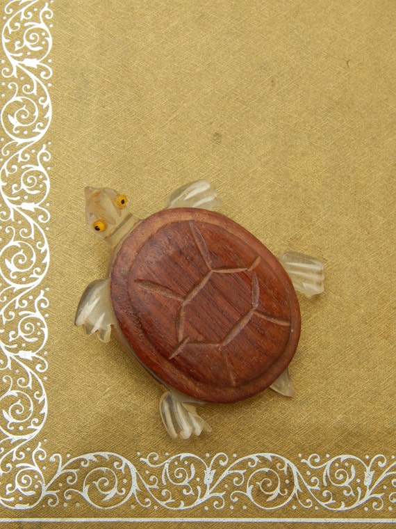 Vintage Elzac Carved Lucite Wood Turtle Pin, Art D