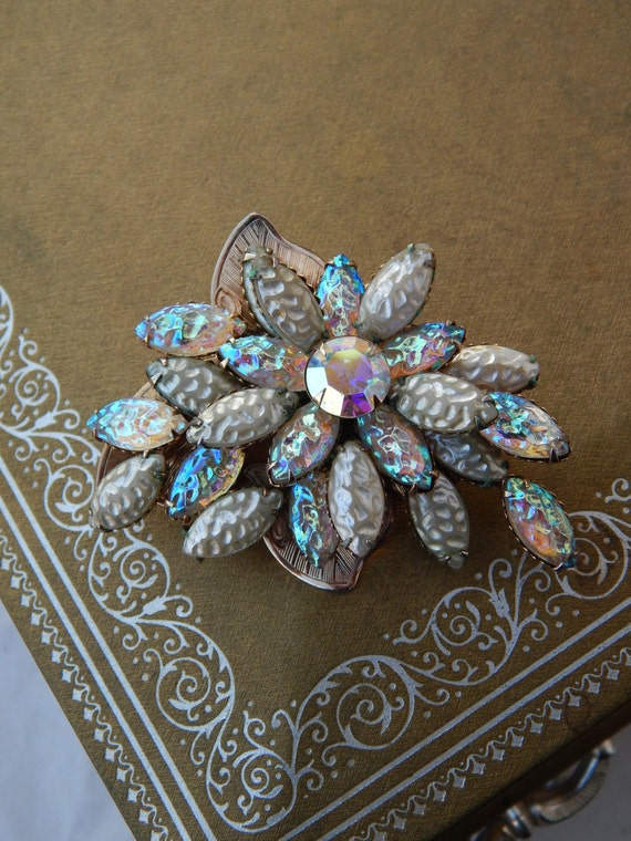 Magnificent Poured Glass Multi-Color Flower Pin Brooch Unsigned Beauty