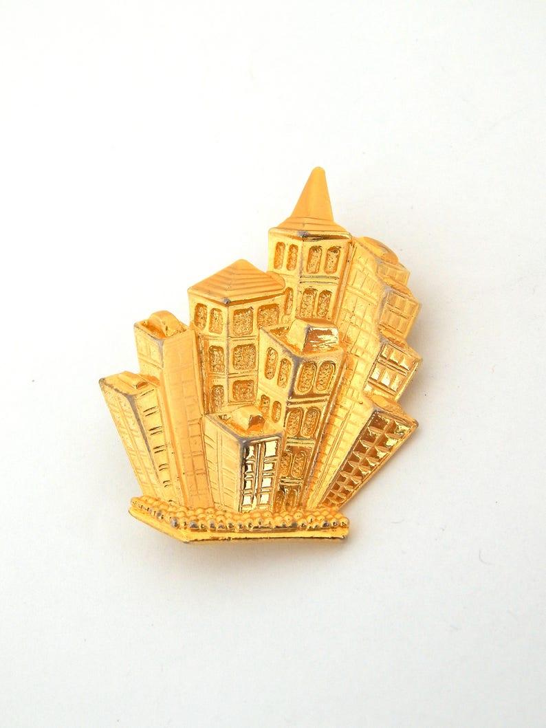 Big City Buildings Brooch Gold Tone PARK LANE City Pin Pendant City Architecture Pendant Figural Pin Pendant