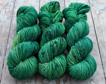MCN DK Yarn, Speckled Hand Dyed, Superwash Merino Cashmere Nylon, Double Knitting, Bliss MCN dk, 100g 231 yds - Emerald *In Stock