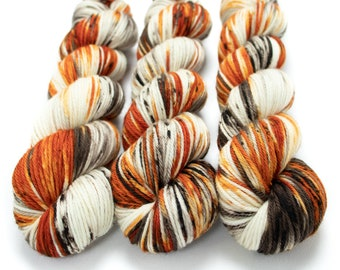Worsted Weight Yarn, Hand Dyed, Speckled, Superwash Merino, Hand Dyed Yarn 100 g/218 yds, Worsted Yarn - Pumpkin Latte *In Stock