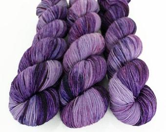 Speckled Sock Yarn, Hand Dyed, Superwash Merino Nylon Fingering Weight 100 g, Staple Sock  - Nurple *In Stock