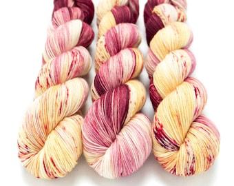 Sock Yarn, Hand Dyed, Speckled, Superwash Merino Nylon Fingering Weight 100 g, Staple Sock - Apple Selfies