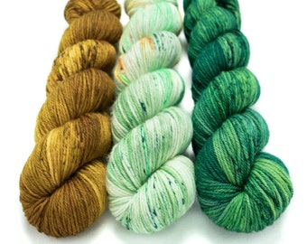 Worsted Weight Yarn Kit (3) 100g Skeins with Optional Shawl Pattern, Hand Dyed, Superwash Merino Yarn Kit - Oh Honey, Leprechaun, Emerald