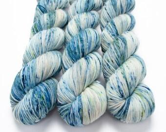 Sock Yarn, Hand Dyed, Speckled, Superwash Merino Nylon Fingering Weight 100 g, Staple Sock - Sea Glass