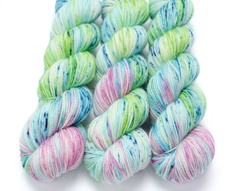 Sport Weight Yarn, Hand Dyed, Speckled, Superwash Merino, 100 g 325 yds, Super Squishy Sport Superwash - Water Lily *In Stock