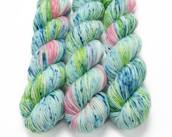 MCN DK Yarn, Speckled Hand Dyed, Superwash Merino Cashmere Nylon, Double Knitting, Bliss MCN dk, 100g 231 yds - Water Lily