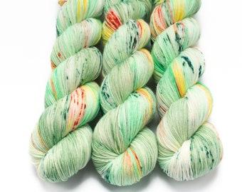 Sock Yarn, Hand Dyed, Speckled, Superwash Merino Nylon Fingering Weight 100 g, Staple Sock - Leprechaun Booty Bazookas