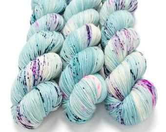 Speckled Sock Yarn, Hand Dyed, Superwash Merino Nylon Fingering Weight 100 g, Staple Sock  - Puddle Jumper *In Stock