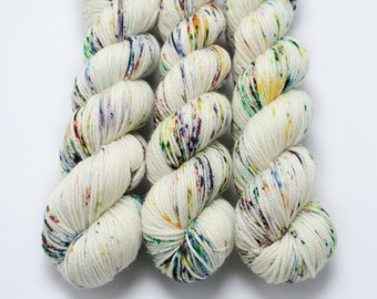 Worsted Weight Yarn, Hand Dyed, Speckled, Rainbow, Superwash Merino, Hand Dyed Yarn 100 g/218 yds/Worsted Yarn- Pixie Dust