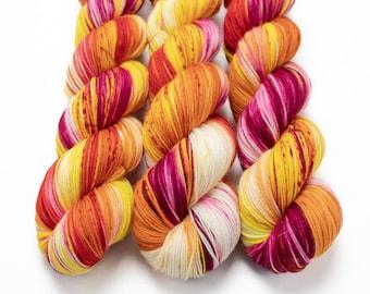 Sock Yarn, Hand Dyed, Superwash Merino Nylon Fingering Weight 100 g, Staple Sock - Plumeria