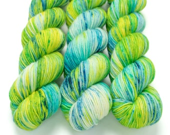 MCN DK Yarn, Speckled Hand Dyed, Superwash Merino Cashmere Nylon, Double Knitting, Bliss MCN dk, 100g 231 yds - Lil Fishy *In Stock