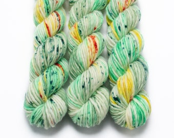 Super Bulky Yarn Merino Nylon, Hand Dyed Yarn, Semi Solid, Single Ply, Superwash Hand Dyed, Maizy Super Bulky Leprechaun Booty Bazookas