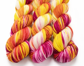 MCN DK Yarn, Hand Dyed, Superwash Merino Cashmere Nylon, Double Knitting Weight, Bliss MCN dk, 100g 231 yds - Plumeria *In Stock