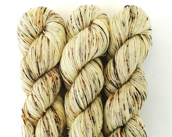 Speckled Sock Yarn Superwash Merino Nylon Fingering Weight Hand Dyed 100 g - Straw Into Gold *In Stock