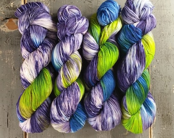 Sock Yarn, Hand Dyed, Superwash Merino Nylon Fingering Weight 100 g, Staple Sock - Clairvoyance *In Stock