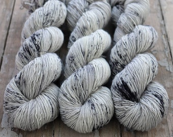 Fingering Yarn Singles Hand Dyed, Specked, Superwash Merino, Fingering Weight Hand Dyed 100g, Shire Singles - Ghost *In Stock