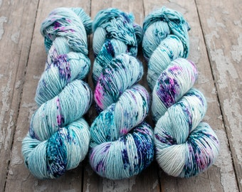 Fingering Yarn Singles Hand Dyed, Specked, Superwash Merino, Fingering Weight Hand Dyed 100g, Shire Singles - Puddle Jumper *In Stock