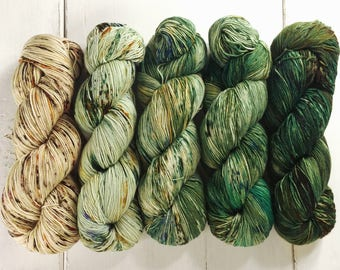 Gradient Set, Sock Yarn, Speckled, Superwash Merino Nylon Fingering Weight 5 - 100g skeins 500g/2300yds, Staple Sock Green Fade - In Stock