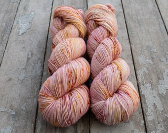 Sock Yarn, Hand Dyed, Speckled, Superwash Merino Nylon Fingering Weight 100 g, Staple Sock - Torhu *In Stock