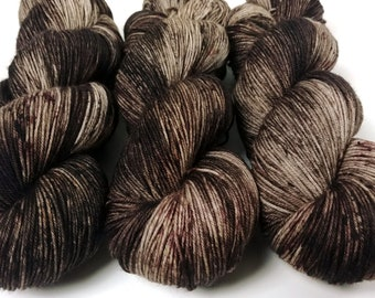 Sock Yarn, Hand Dyed, Speckled, Superwash Merino Nylon Fingering Weight 100 g, Staple Sock - Bark *In Stock