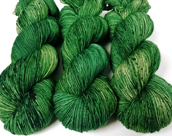 Sock Yarn, Hand Dyed, Speckled, Superwash Merino Nylon Fingering Weight 100 g, Staple Sock - Emerald *In Stock