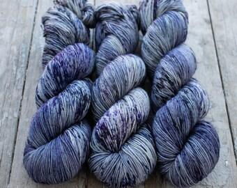 Sock Yarn, Hand Dyed, Speckled Sock Yarn, Superwash Merino Nylon Fingering Weight 100 g, Staple Sock - Yuki *In Stock