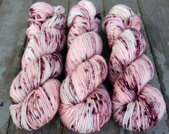 Worsted Weight Yarn, Hand Dyed, Speckled, Superwash Merino, Hand Dyed Yarn 100 g/218 yds, Worsted Yarn- Juliet *In Stock