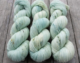 Sock Yarn, Hand Dyed, Speckled, Tonal, Superwash Merino Nylon Fingering Weight 100 g, Staple Sock - Castaway *In Stock