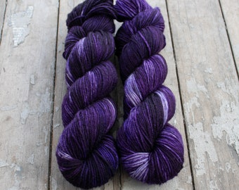 MCN DK Yarn, Speckled Hand Dyed, Superwash Merino Cashmere Nylon, Double Knitting, Bliss MCN dk, 100g 231 yds - Belladonna *In Stock