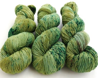 Fingering Yarn Singles Hand Dyed, Specked, Superwash Merino, Fingering Weight Hand Dyed 100g, Shire Singles - Mistletoe *In Stock
