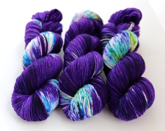 Sport Weight Yarn, Hand Dyed, Speckled, Superwash Merino, 100 g 325 yds, Super Squishy Sport Superwash- Iris *In Stock