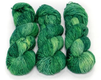 Fingering Yarn Singles Hand Dyed, Specked, Superwash Merino, Fingering Weight Hand Dyed 100g, Shire Singles - Emerald *In Stock
