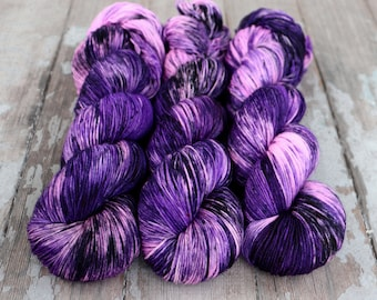 Sock Yarn, Hand Dyed, Speckled, Superwash Merino Nylon Fingering Weight 100 g, Staple Sock - Purple People Eater *In Stock