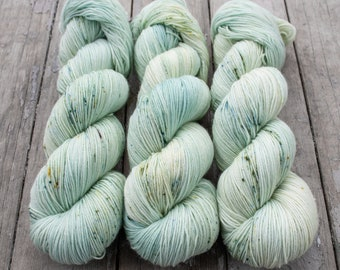Sock Yarn, Hand Dyed, Speckled, Tonal, Superwash Merino Nylon Fingering Weight 100 g, Staple Sock - Castaway *In Stock